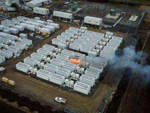 039 Up In Smoke 039 Tesla Megapack Battery Catches Fire In Australia
